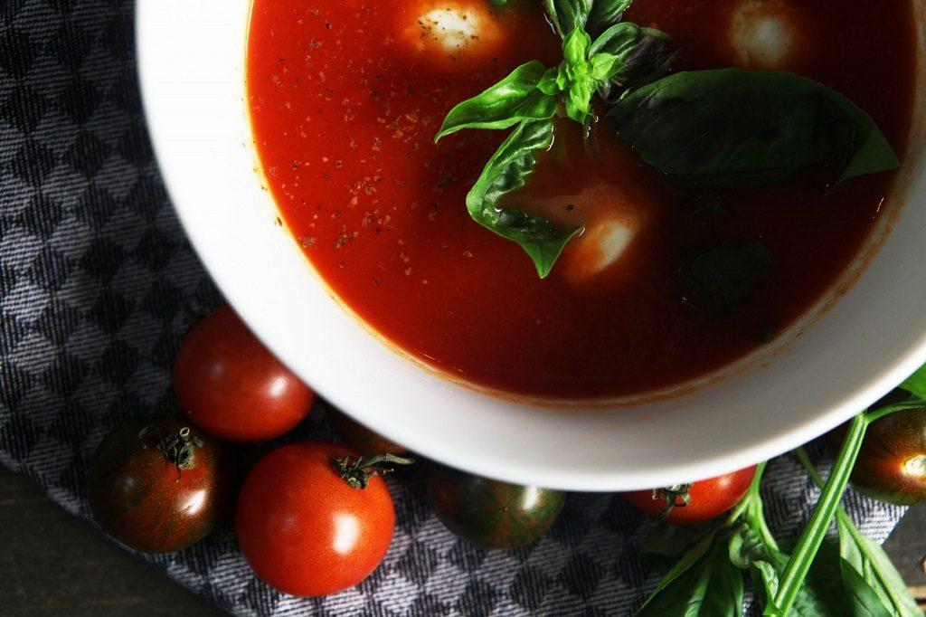 【妊活】妊娠したいなら「赤い食べ物・黒い食べ物」!