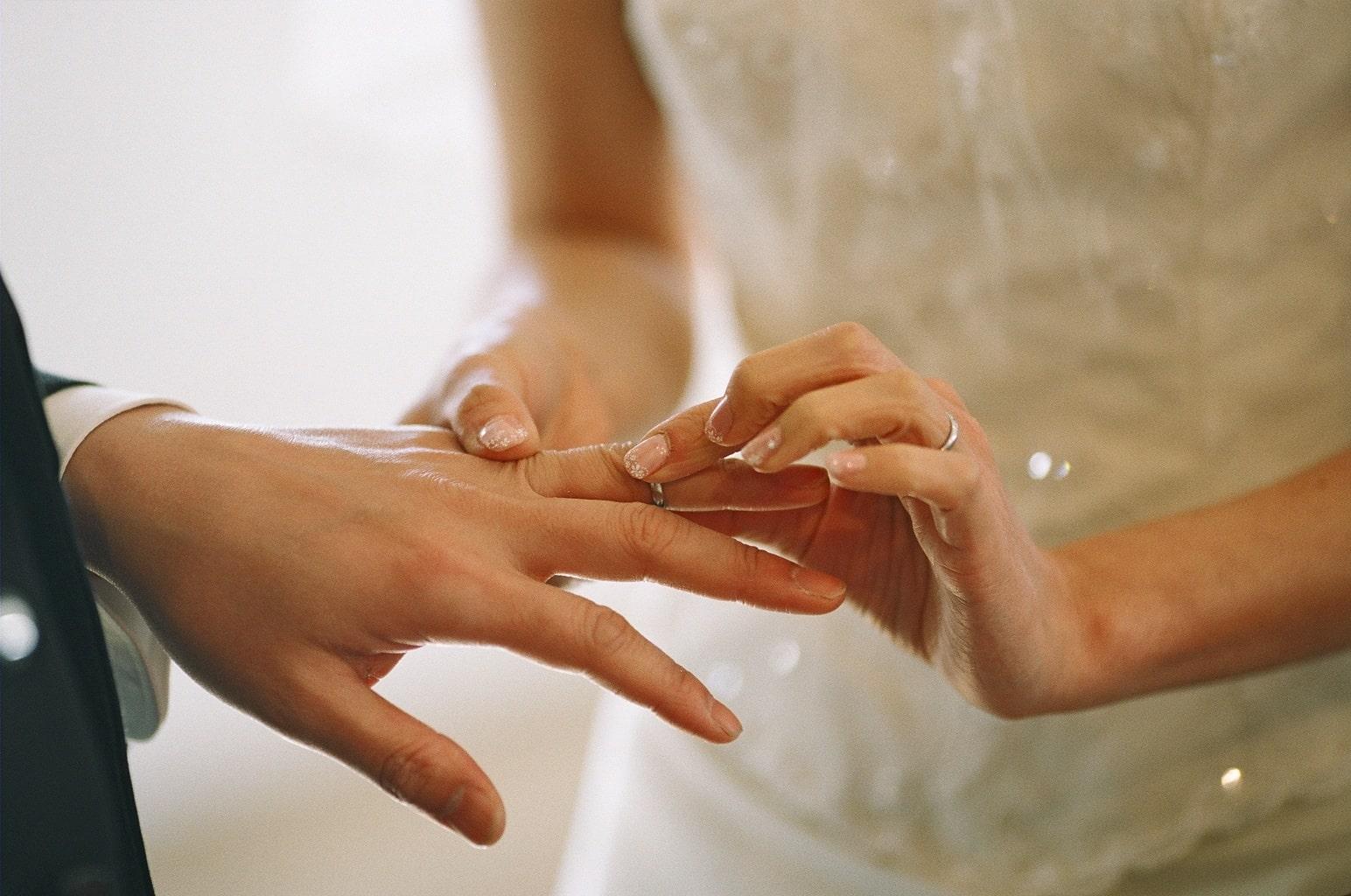 薬指の指輪であなたの願いを叶える!